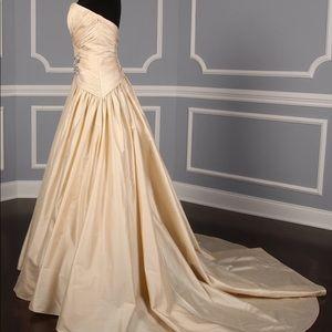Plus Size Wedding Dress size 24 fits like size 16